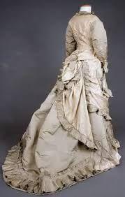 Risultati immagini per abiti vittoriani