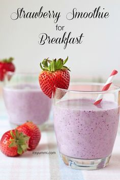 This Easy Strawberry Smoothie recipe looks perfect for summer! #strawberry #recipe #smoothie