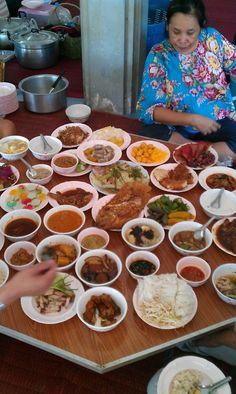Songkran Festival Tasty Thai, Songkran Festival, Thai Recipes, Street Food, Spice Things Up, Thailand, Spices, Holidays, Fresh