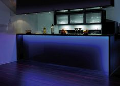 LED-Streifen TEANIA modern 3m -LED-Stripes für indirekte Beleuchtung in der Küche für die Bar in Farbe