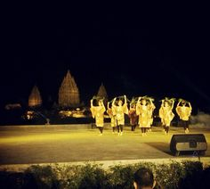 Student workshop performance - Farewell Party @Prambanan Temple #hdii_official #apsdaindonesia #Repost from @kendiquest