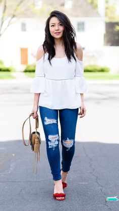 @theFPR, looking amazing in these Stitch Fix jeans and red sandals.