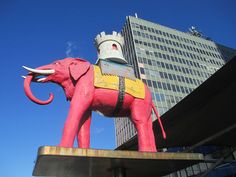 How The Northern Line Stations Got Their Names Pink Elephants On Parade, Northern Line, Elephant And Castle, Latin Quarter, British Pub, London History, London Places, Bond Street, Old London