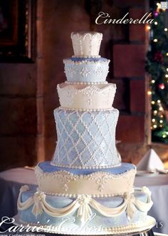 cinderella wedding cake images 1000 ideas about cinderella wedding cakes on 12861