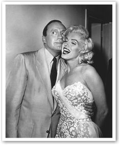 American film star Marilyn Monroe shares a joke with Jack Benny, comedian of radio, television and occasional films. Original Publication: People Disc - Get premium, high resolution news photos at Getty Images Marilyn Monroe Poster, Marilyn Monroe Quotes, Gentlemen Prefer Blondes, Viejo Hollywood, Old Hollywood, Bye Bye, Jack Benny, Jane Russell, Norma Jeane