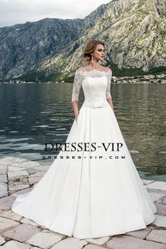 2017 A Line Boat Neck Wedding Dresses Satin With Applique And Sash