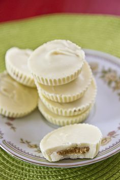 white chocolate peanut butter cups -- OMG this looks easy enough that even I could make it! :)