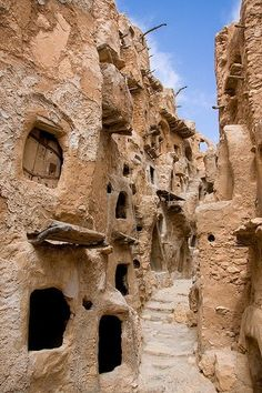 Ksar Nalut, Nalut, Libya, created by North African Berber communities ( vernacular architecture) Places Around The World, The Places Youll Go, Places To See, Around The Worlds, Vernacular Architecture, Ancient Architecture, Cultural Architecture, Magic Places, Beau Site
