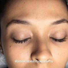 Eyebrows Sketch, Mircoblading Eyebrows, Permanent Makeup Eyebrows, Eyebrow Makeup, Eyelashes, Eyebrow Design, Henna Brows, Facial Piercings, Smokey Eye Makeup Tutorial