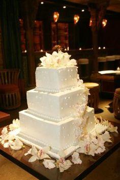 10 Real DIY Wedding Cakes – Inspiring Tales of Amateurs Making Wedding Cakes: Smitten Kitchen Square Buttercream Cake