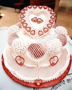 red and white lambeth cake