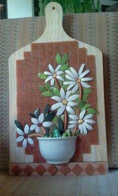 #StainedGlassMirror Mosaic Artwork, Mosaic Wall Art, Tile Art, Stained Glass Mirror, Stained Glass Church, Mosaic Flower Pots, Mosaic Garden, Mosaic Crafts, Mosaic Projects
