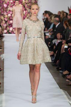 61 photos of Oscar de la Renta at New York Fashion Week Spring 2015.