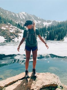 Cute Hiking Outfit, Summer Hiking Outfit, Summer Outfits, Cute Outfits, Hiking Outfits, Beach Outfits, Camping Outfits For Women Summer, Mountain Hiking Outfit, Outfit Beach