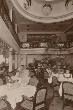 size: Photographic Print: Upper and Lower Dining Saloon on Board the Cunard Liner RMS Berengaria : Nautical Interior, Titanic Ship, Vintage Christmas Photos, Ways To Travel, Vintage Travel Posters, Steamboats, Old Things, Leslie David, Andrea Doria
