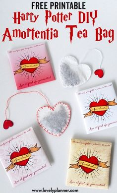 Harry Potter DIY Love Potion - Amortentia Heart Shaped Tea Bags with Free Printable - Lovely Planner Harry Potter DIY Love Potion - Free Printable Amortentia Tea Bags, perfect for Valentine's Day or as a fun party favor Harry Potter Free, Harry Potter Gifts, Harry Potter Birthday, Valentines Day Harry Potter, Heart Shapes Template, Harry Potter Planner, Hogwarts, Ideas Geniales, Valentines Day Party