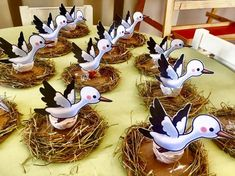 1 million+ Stunning Free Images to Use Anywhere Bird Crafts, Paper Crafts, Projects For Kids, Crafts For Kids, Graphic Design Portfolio Examples, Classroom Decor Themes, Creative Arts And Crafts, Free To Use Images, Bird Theme