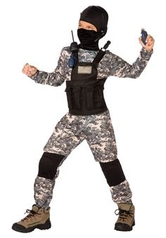 If your little solider is itching to join USA's elite, then this Child Navy SEAL Costume is just what he needs. It's the first stage to his rigorous training!