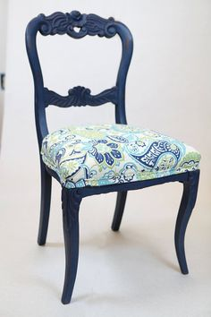 Vintage navy blue chairs Annie Sloan chalk painted https://www.etsy.com/listing/184393414/blue-victorian-chalk-paint-chairs-set-of