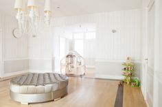 Need home staging tips to help your listings sell faster? Check out our guide to the 11 embarrassing homes staging mistakes to avoid before you get started. Cool Teen Bedrooms, Teen Bedroom Designs, Feng Shui, Interior Design Magazine, Home Interior Design, Interior Styling, Jugendschlafzimmer Designs, Design Ideas, Pretty Designs