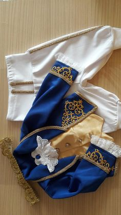 Gold Baby Prince costume for boy first birthday outfit image 2 Twin Birthday Cakes, Baby Boy 1st Birthday, 1st Birthday Outfits, Prince Costume For Boy, Baby Boy Costumes, Harley Queen, Baby Cosplay, Prince Birthday Party, Baby Boy Dress
