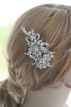 The flower bouquet bridal hair comb