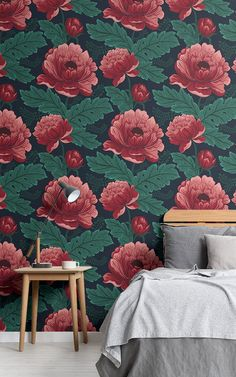 Create a sophisticated space with a vintage feel with this stylish dark pink and green floral wallpaper. Green Floral Wallpaper, Floral Pattern Wallpaper, Images Wallpaper, Dark Wallpaper, Wallpaper Design For Bedroom, Cute Home Decor, Traditional Design, Red Flowers, House Colors