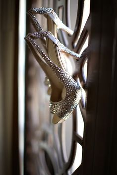 wedding photography - jasmine star - real wedding - anne & cory - bride - getting ready - wedding shoes - alexander mcqueen