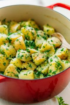Parsley Potatoes (Company Potatoes) - NatashasKitchen.com Butter Potatoes, Crock Pot Potatoes, Parsley Potatoes, Potato Sides, Potato Side Dishes, Veggie Dishes, Kitchen Recipes, Cooking Recipes, Healthy Recipes