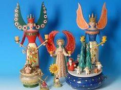 Auch Engel zieren die fein gearbeiteten Spieluhren aus dem Erzgebirge. Kai Bruch hat seine Sammlung in der ganzen Welt zusammengetragen.