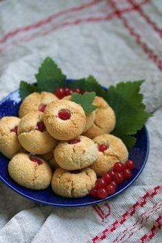 Bästa glutenfria kakorna recept | HungryHeart.se Gluten Free Cookies, Keto, Desserts, Gluten Free Biscuits, Tailgate Desserts, Deserts, Postres, Dessert, Plated Desserts