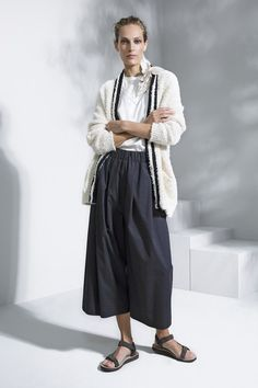 See the complete Brunello Cucinelli Spring 2016 Ready-to-Wear collection.