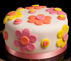 Easy spring fondant flower design