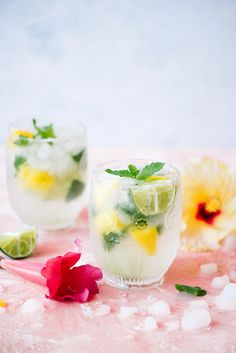 """5-Ingredient Pineapple Mojitos- the drink that makes people say """"that's the best I've ever had!!"""""""