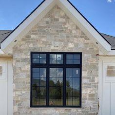 Stone Veneer Exterior, Stone Exterior Houses, Stone Siding, Stone Facade, Wall Exterior, Exterior Siding, Exterior Remodel, Exterior House Colors, Stone Houses