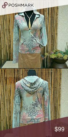 Muted Tone Floral Sweater Hoodie! Muted Tone Floral Sweater Hoodie!  52% polyester/33% rayon/5% spandex  🚫No Trades 🙄😘  🔘Use OFFER button to negotiate👍🤑 🔘Please Ask ❓'s BEFORE you Buy🤔😃 💕Thank you for stopping by! Happy Poshing!💕 Real Haute Trends  Sweaters
