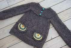 crocheted pockets are a great idea to dress up a plain sweater