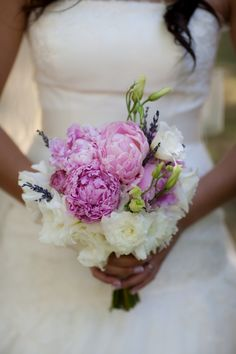 pink peonies and white lysianthus