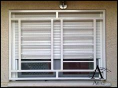 Rejas Modernas para Ventanas - Carpintería Metálica Abad Wooden Door Design, Window Grill Design, Railing Design, Steel Gate Design, Window Design, Grill Door Design, Home Design Plans, Doors Interior Modern, Balcony Grill