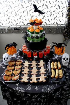 Halloween Kids Party Ideas @StyleSpaceandStuff.Blogspot.com Haught  @Emily Schoenfeld Schoenfeld Haught