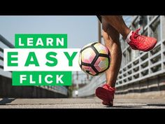 Learn how to do a cool flick up to impress your friends - in today's video, PWG will teach you how to perform the Ronaldinho flick up, which is a football sk. Best Football Skills, Football Tricks, Soccer Skills, Oregon Ducks Football, Ohio State Football, American Football, College Football, Youtube Soccer, Volleyball Tips