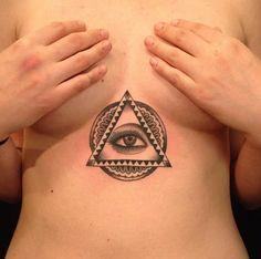 Amazing placement of this All Seeing Eye Tattoo. Love Tattoos, Body Art Tattoos, Girl Tattoos, Moth Tattoo, Tattoo You, All Seeing Eye Tattoo, Tattoo Ideas, Tattoo Designs, Eyes Artwork