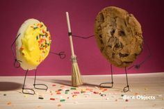 Cookie Crumbs Terry Border is one of our favorite creative people on the planet. He never ceases to amaze us, as he takes boring, everyday objects and Creative Food Art, Creative People, Food Photography Styling, Creative Photography, Life Photography, Conceptual Photography, Green Fruit, Cookie Crumbs, Food Backgrounds