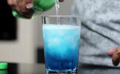 21 receitas de drinks com Curaçau Blue para bebidas mais coloridas Glass Of Milk, Vodka, Recipes, Drink Recipes, Quick Recipes, White Parties, Candy Drinks, Flute Glasses, Non Alcoholic