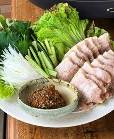Restaurant Dishes, Asian Cooking, Japanese Food, Japanese Recipes, I Love Food, Asian Recipes, Asparagus, Pork, Food And Drink
