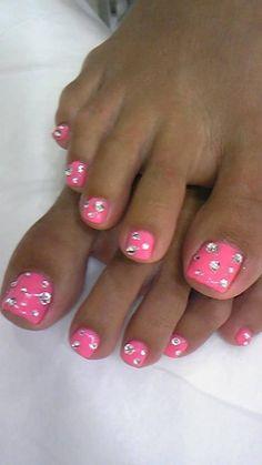 Pink toenails with rhinestones