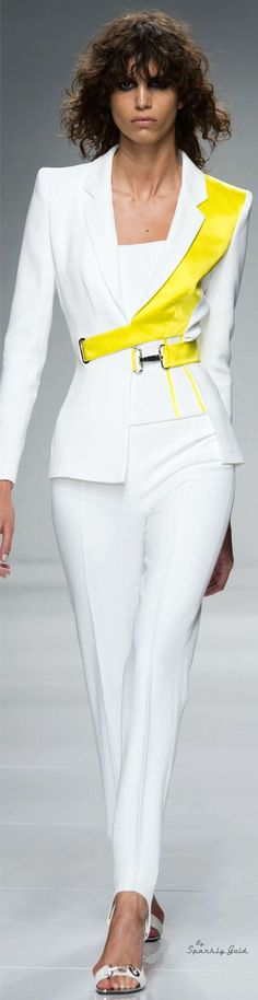 Fashion Week, Look Fashion, Fashion Show, Fashion Outfits, Fashion Design, Fashion Trends, Gq Fashion, Atelier Versace, Couture Fashion