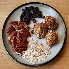 Happy Wholesome Breakfast Cookies - Healthy, High Fiber Recipe   from Foy Update: Garden. Cook. Write. Repeat.  If you take out the dried fruit and replace it with more nuts these work as a breakfast food or snack on a gestational diabetes diet.