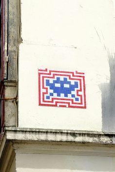 Space invaders - street art - Paris 19 - rue des cascades