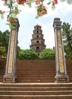 Thien Mu Pagoda Hui     photo by ms.akr